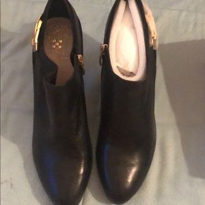 Vince Camuto black boots size 11